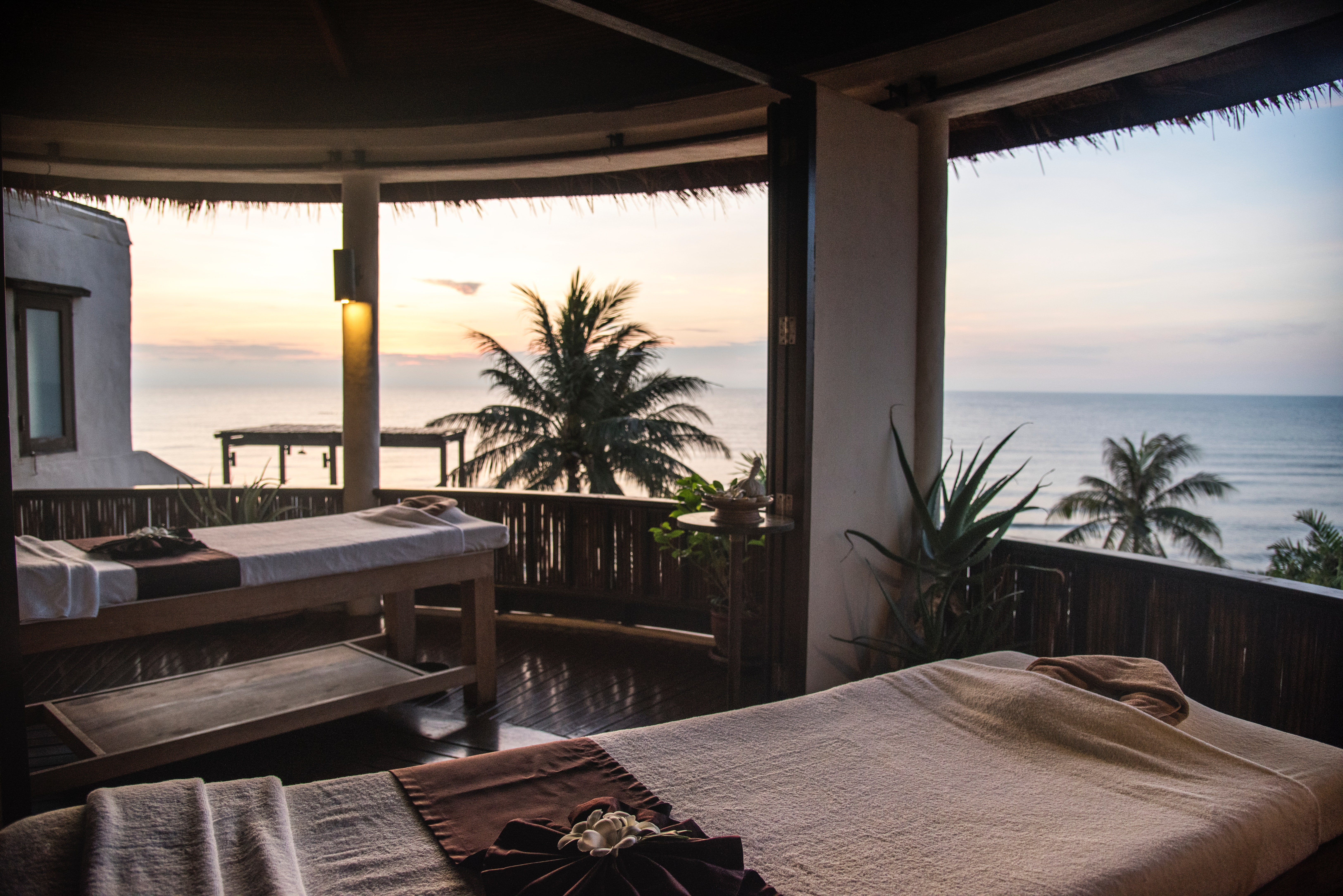 accommodation-beach-bed-1531672