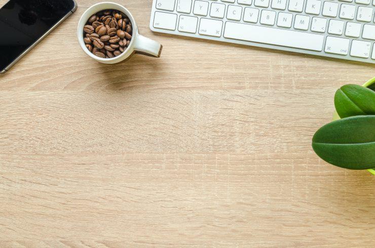 houten tafelblad van boomstam